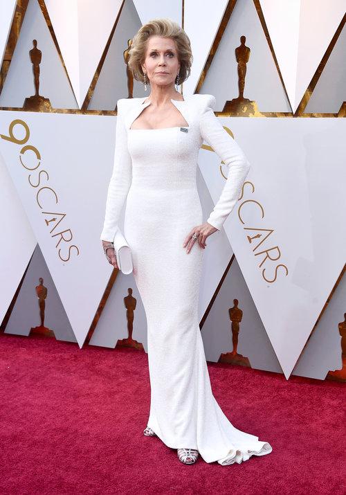 נהדרת בלבן: ג'יין פונדה בטקס פרסי האוסקר 2018 | צילום: Gettyimages