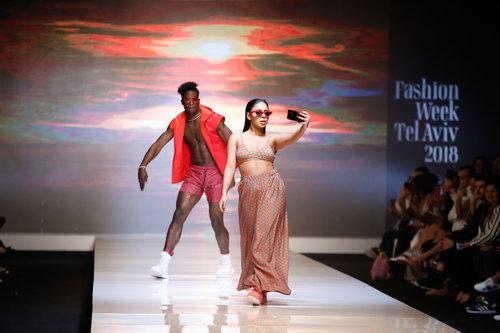 אלין כהן בתצוגת בננהוט בשבוע האופנה תל אביב | צילום: אדריאן סבל