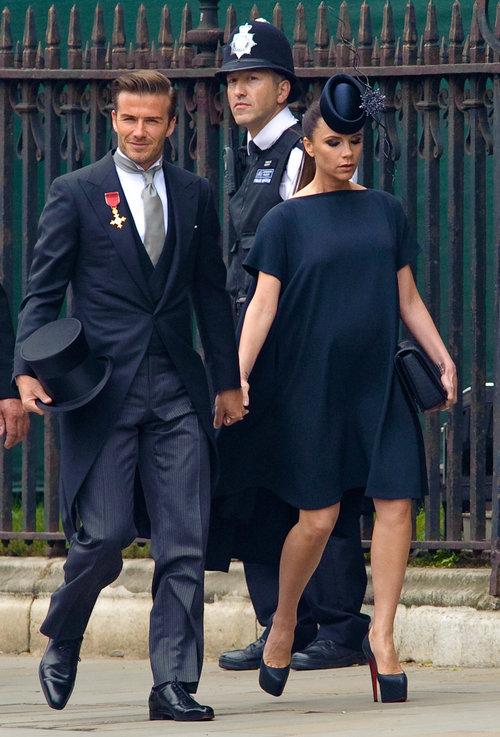 וכך זה נראה לפני 7 שנים: ויקטוריה ודייויד בקהאם בחתונה של קייט מידלטון והנסיך וויליאם. מה אתן אומרות, יש דימיון ללוק הנוכחי? | צילום: Gettyimages
