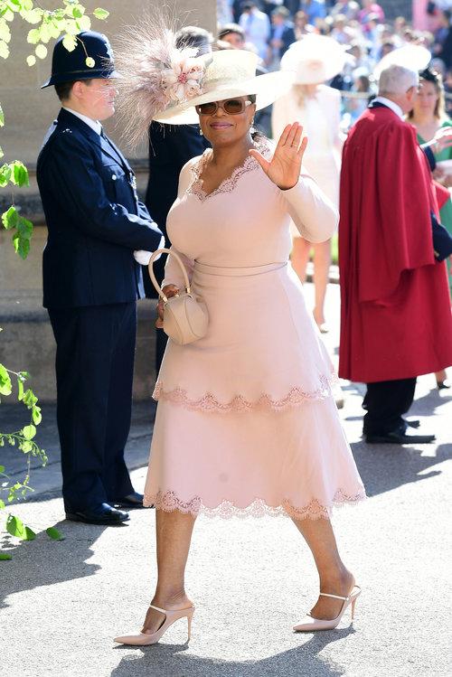 אופרה ווינפרי לובשת סטלה מקרטני בחתונה המלכותית של הנסיך הארי ומייגן מרקל | צילום: Gettyimages