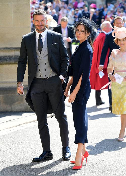 ויקטוריה בקהאם נראית אומללה מתמיד לצד הבעל דייויד בחתונה המלכותית. לפחות העקבים מושלמים | צילום: Gettyimages