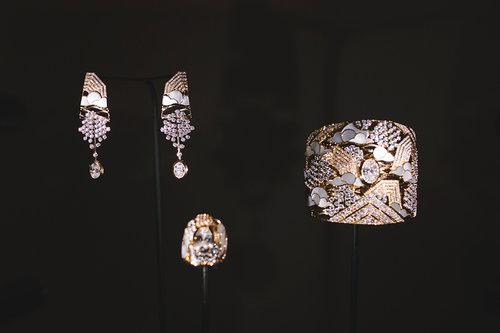 עוצרי נשימה: התכשיטים של שאנל בשבוע אופנת הקוטור בפריז | צילום: ליאה גלדמן