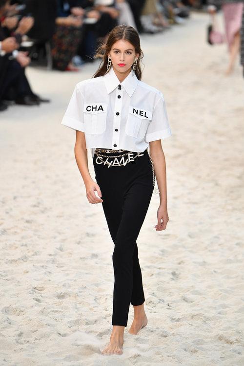 קאיה גרבר בתצוגה של שאנל, נועלת את שבוע האופנה בפריז | צילום: Gettyimages