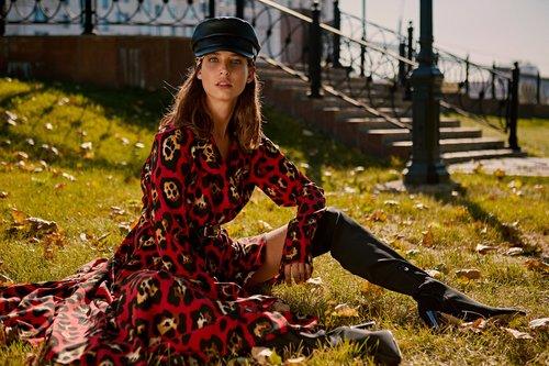שמלה של אלמביקה | צילום: גורן ליובונצ'יץ