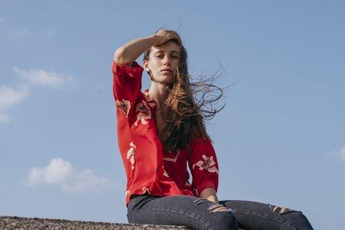 חולצה של Yanga | צילום: דניאל ז'קונט