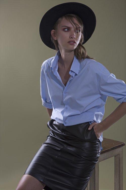 חצאית של יוסי קצב למותג Sketch | צילום: תום מרשק