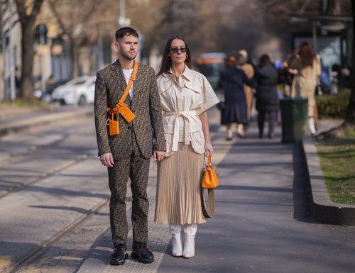 זוגות אופנתיים מתאמים אקססוריז בצהוב. אליס ברבי וג'י.ס. רוקה | צילום: אסף ליברפרוינד Thestreetvibe
